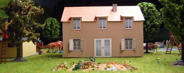 Maquette papier de maison de village 2 for Maquette de maison